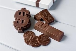 Шоколад ко дню финансиста