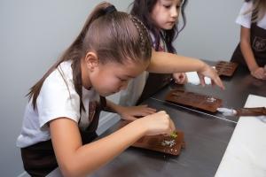 Детский мастер-класс «Юный шоколатье» (ДЛЯ ТРОИХ)